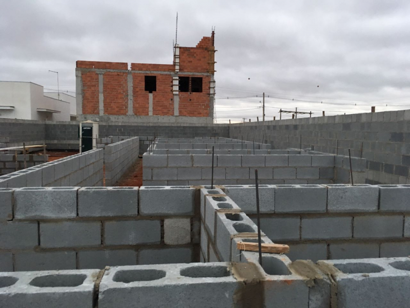 Bloco de Concreto 14x19x39 Orçamento Americana - Bloco Canaleta de Concreto